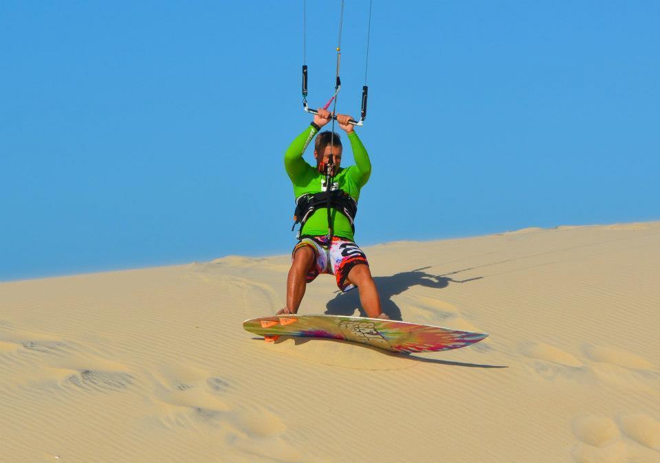 Кайтсерифнг по дюнам в Бразилии